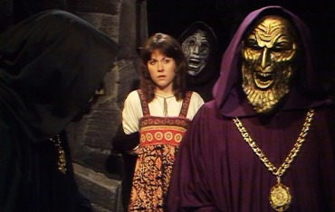 doctor-who-the-masque-of-mandragora-sarah-jane