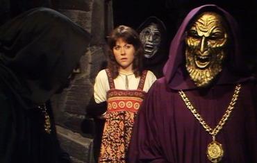 doctor-who-the-masque-of-mandragora-sarah-jane